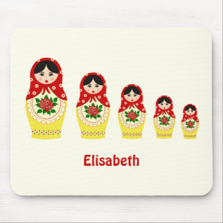 Red russian matryoshka nesting dolls mouse pad