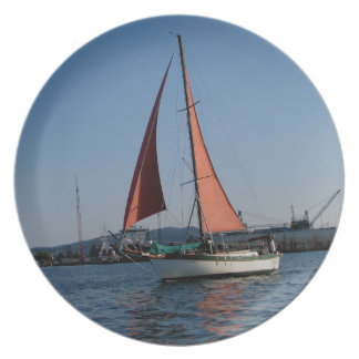 Red Sails Plate