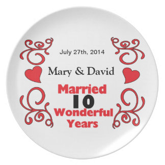 Red Scroll & Hearts Names & Date 10 Yr Anniversary Plate