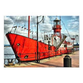RED SHIP PHOTO PRINT