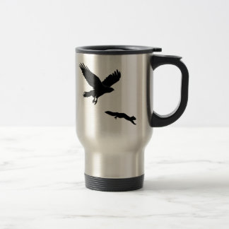 Red tail on squirrel silouette travel mug
