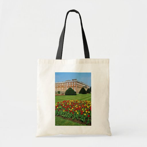 Red Tulips in Hampton Court, London, England flowe Budget Tote Bag