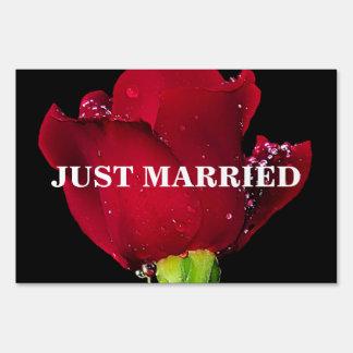 Red Wedding Rose Signs