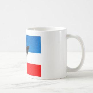 RED WHITE AND BLUE EAGLE LANDING COFFEE MUG