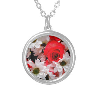 Red-White-Roses-Daisies-Bouquet-R Necklace