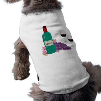 RED WINE BOTTLE, GLASSES AND GRAPES T-Shirt