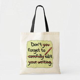 Redactor del escritor que corrige la nota del bolsa tela barata