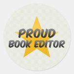 Redactor orgulloso del libro pegatina redonda