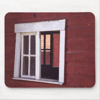 REDBARN WINDOW MOUSE PAD