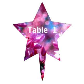 Redbud rosado florece número de la tabla decoración para tarta