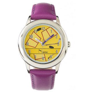 Redes amarillas conocidas de encargo de los reloj
