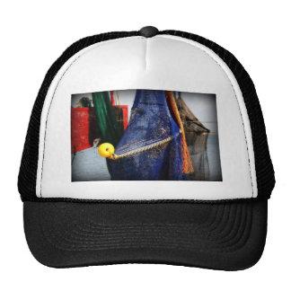 Redes de pesca coloridas, vignetted, escena de la  gorras