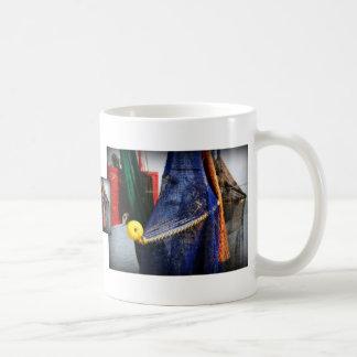 Redes de pesca coloridas, vignetted, escena de la  tazas