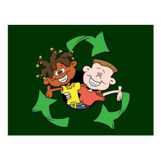 Reduzca la reutilización reciclan a niños postales