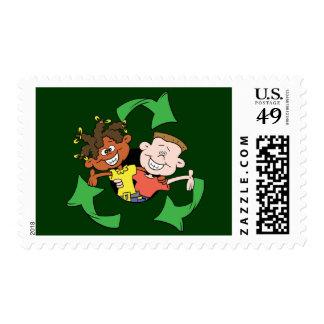 Reduzca la reutilización reciclan a niños franqueo