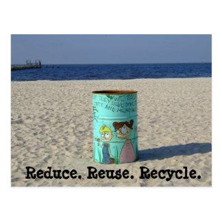 Reduzca la reutilización reciclan la postal limpia