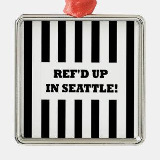 Ref d para arriba en Seattle con los árbitros del Ornamentos De Reyes Magos