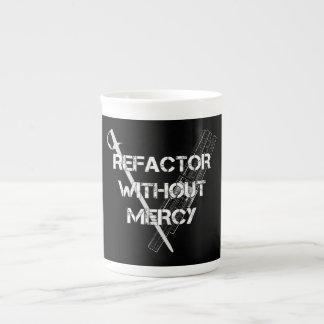 Refactor sin misericordia taza de porcelana
