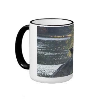 Refiera la roca tazas de café