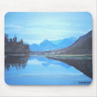 Reflections on the lake -  Mousepad