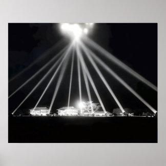 Reflectores del Pearl Harbor de WWII Posters