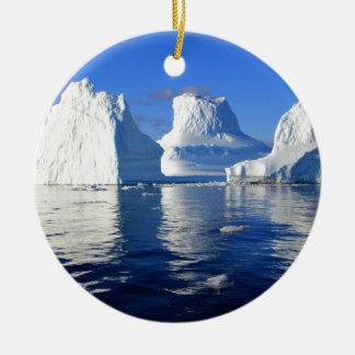 reflejo del mar del agua del iceberg adornos de navidad