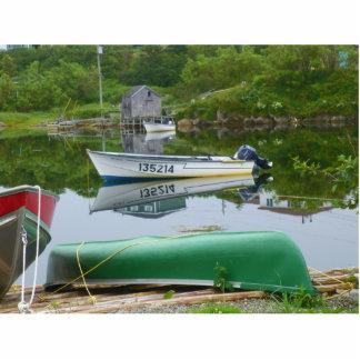Reflejo en los barcos en Burgeo Fotoescultura Vertical