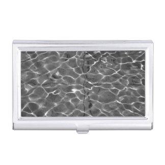 Reflejos de luz en el agua: Negro y blanco Cajas De Tarjetas De Negocios