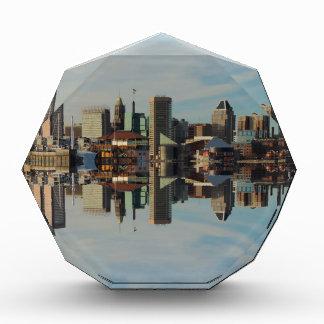 Reflexión céntrica del horizonte de Baltimore