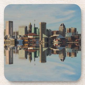 Reflexión céntrica del horizonte de Baltimore Posavasos De Bebidas