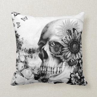 Reflexión, cráneo floral de la naturaleza almohadas