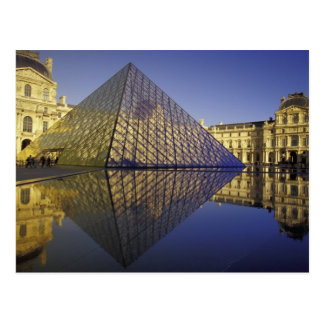 Reflexión de FRANCIA París pirámide El Louvre Tarjeta Postal