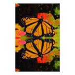 Reflexión de la mariposa de monarca inmóvil papelería personalizada