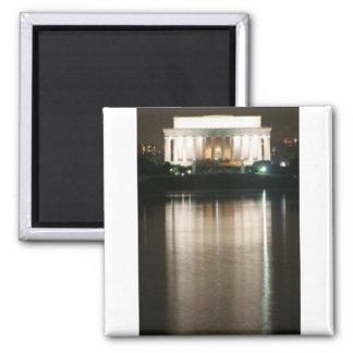 Reflexión de la noche del Lincoln memorial Imán Cuadrado