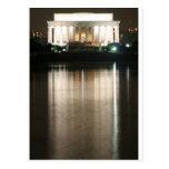 Reflexión de la noche del Lincoln memorial Postal