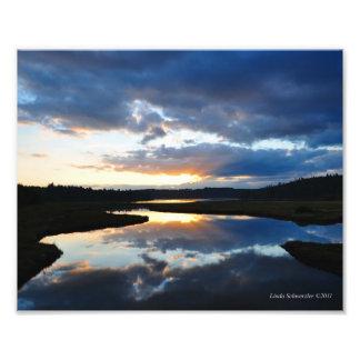 reflexión de la puesta del sol 8X10 Fotografias