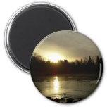 Reflexión de la salida del sol del río Misisipi Imanes