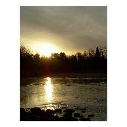 Reflexión de la salida del sol del río Misisipi Tarjeta Postal