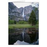 reflexión de las cataratas de Yosemite Tarjeta De Felicitación