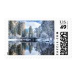 Reflexión del invierno en Yosemite Sellos