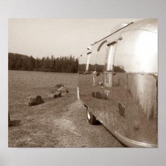 Reflexión del lago reflejada en la foto de la sepi posters