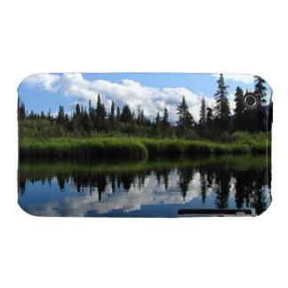 Reflexión del río de Lapie iPhone 3 Case-Mate Coberturas