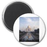 Reflexión del Taj Mahal en Agra, Uttar Pradesh, la Iman De Nevera