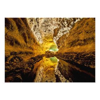 Reflexión en Water Cueva de los Verdes España Anuncios