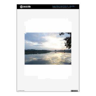 reflexión enfrente de invertido pegatinas skins para iPad 3