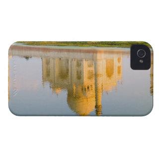 Reflexión famosa del templo del Taj Mahal en