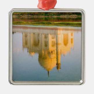 Reflexión famosa del templo del Taj Mahal en Adorno Navideño Cuadrado De Metal