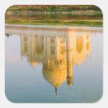 Reflexión famosa del templo del Taj Mahal en Pegatina Cuadrada