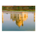 Reflexión famosa del templo del Taj Mahal en Tarjetas Postales