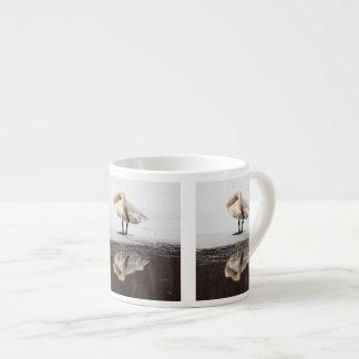 Reflexión hermosa taza espresso
